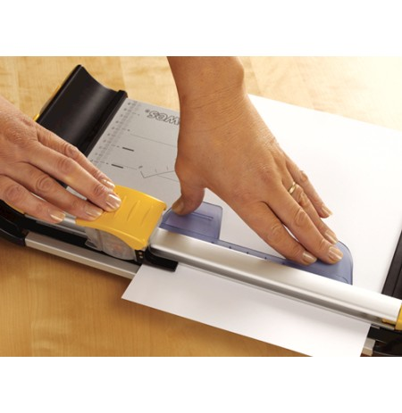 Fellowes Neutron Plus Home Paper Trimmer (CRC54101)